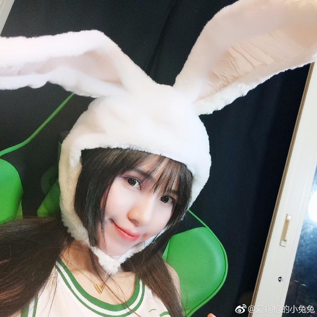 绝地辣妹兔兔日常照片曝光 爱钢枪的小兔兔你了解吗