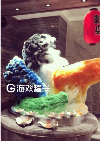 王思聪冰雕图片来袭 魔鬼们到底能制作多少个吃热狗版本