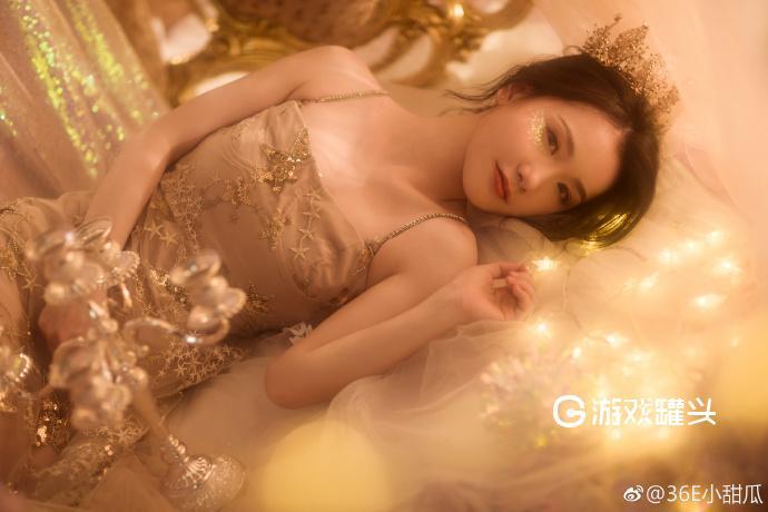 小甜瓜最新写真照片 金光闪闪好似天上的小仙女20P