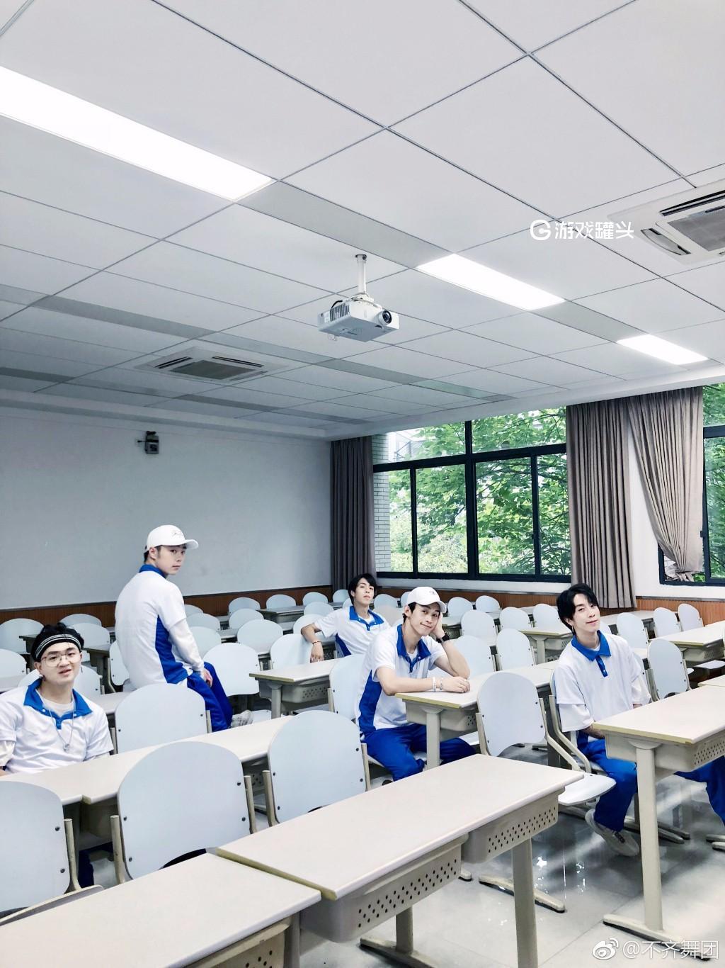 不齐舞团最新学院写真照片 五个学长你想带走哪一位20P